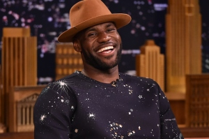 warner-brothers-trademarks-space-jam-and-signs-lebron-james-1
